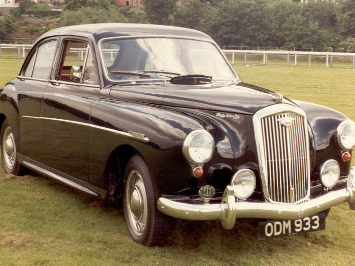 Wolseley 15/50 parked on Chester Racecourse